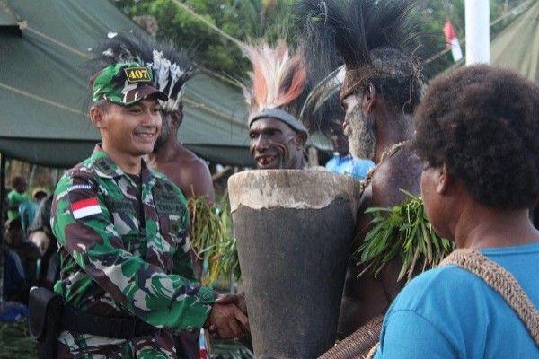 Dansatgas Yonif 407/Padma Kusuma hadiri pertemuan Suku Yei