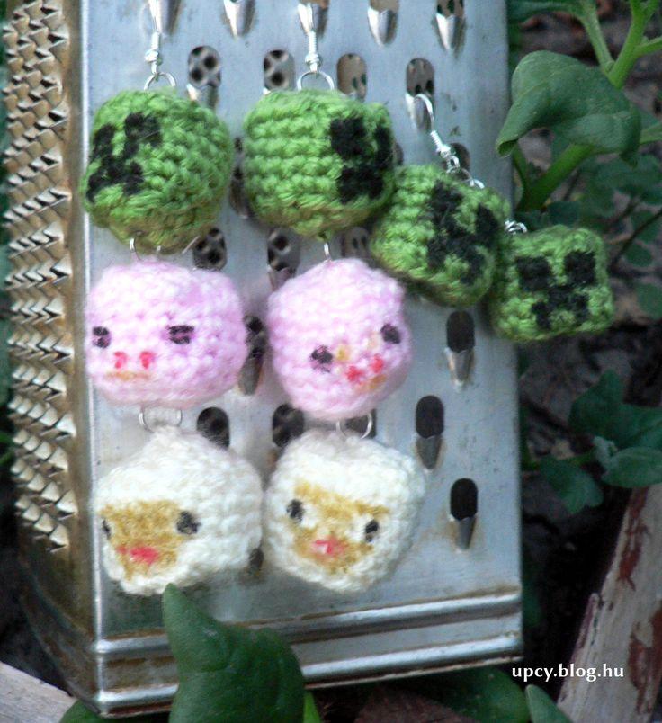 Crochet Minecraft earrings. Horgolt fülbevaló.