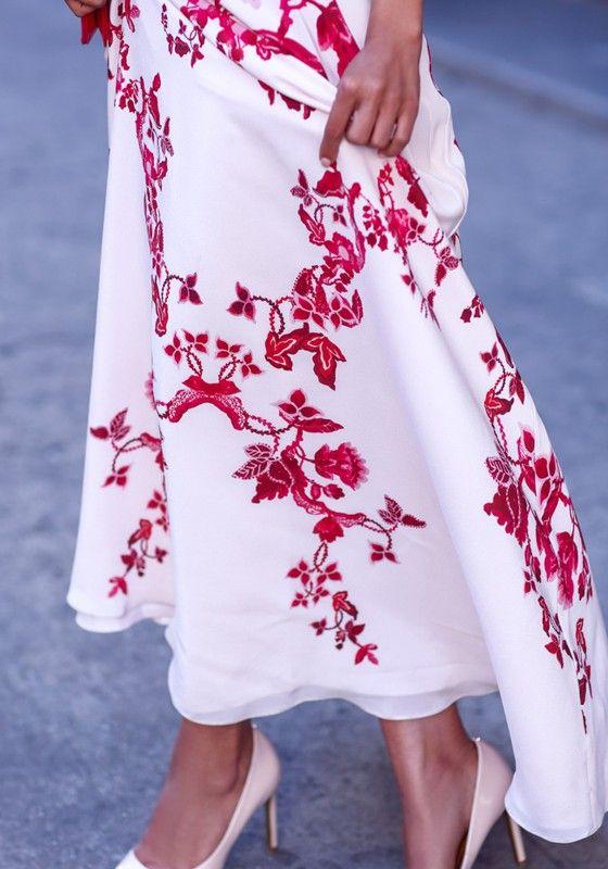 White Red Flowers Print Elegant Chiffon Maxi Dress