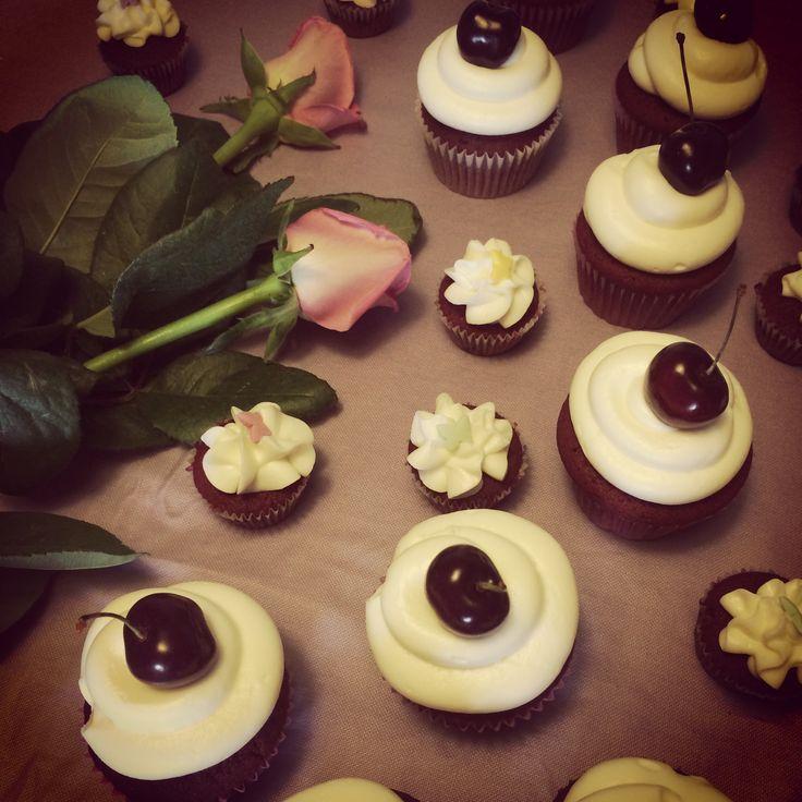 Red Velvet cupcakes by Marika