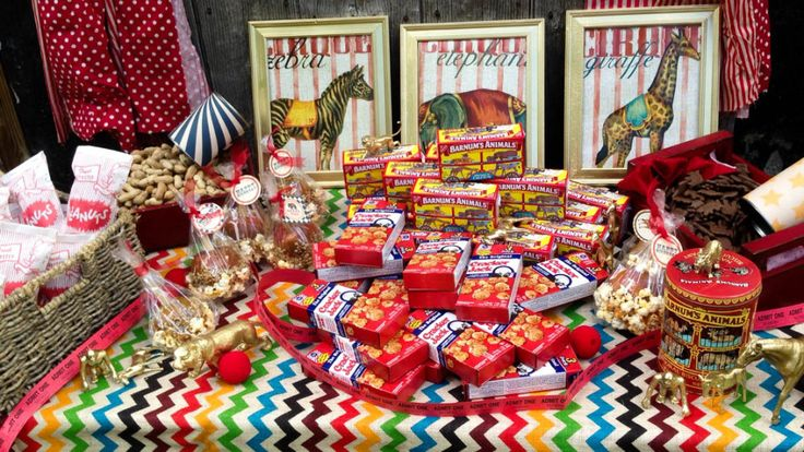 Vintage Circus Birthday - love the idea of serving cracker jacks and animal crackers! #partyfood: Animal Cracker, Circus Kids Party, Vintage Circus Party Ideas, Circus Party Vintage, Carnival, Vintage Circus Birthday Party, 1St, Afro Circus Party, Birthday Ideas