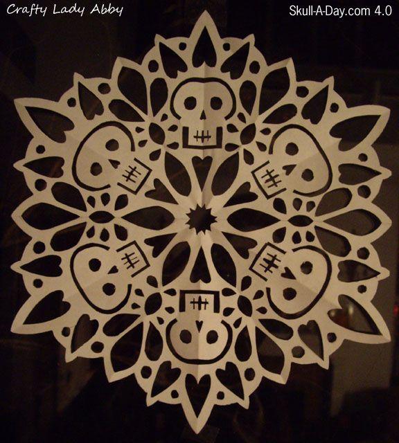 Skullflake (Snowflake Skull) :: pattern and instructions craftyladyabby.bl... ; )