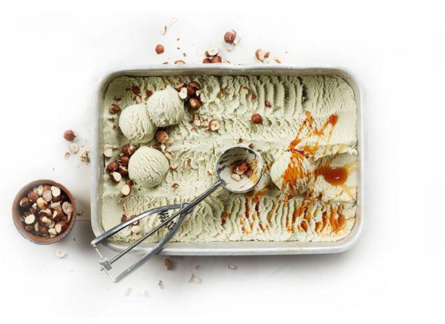 You scream I scream we all scream for nice cream!Recipe on our food and drink page. Link in bio.  #nicecream #healthy #dessert #sweet #vegan #foodie #foodphotography @elisabeth.hilde #styling @mats.dreyer #recipe @kokkeluringen