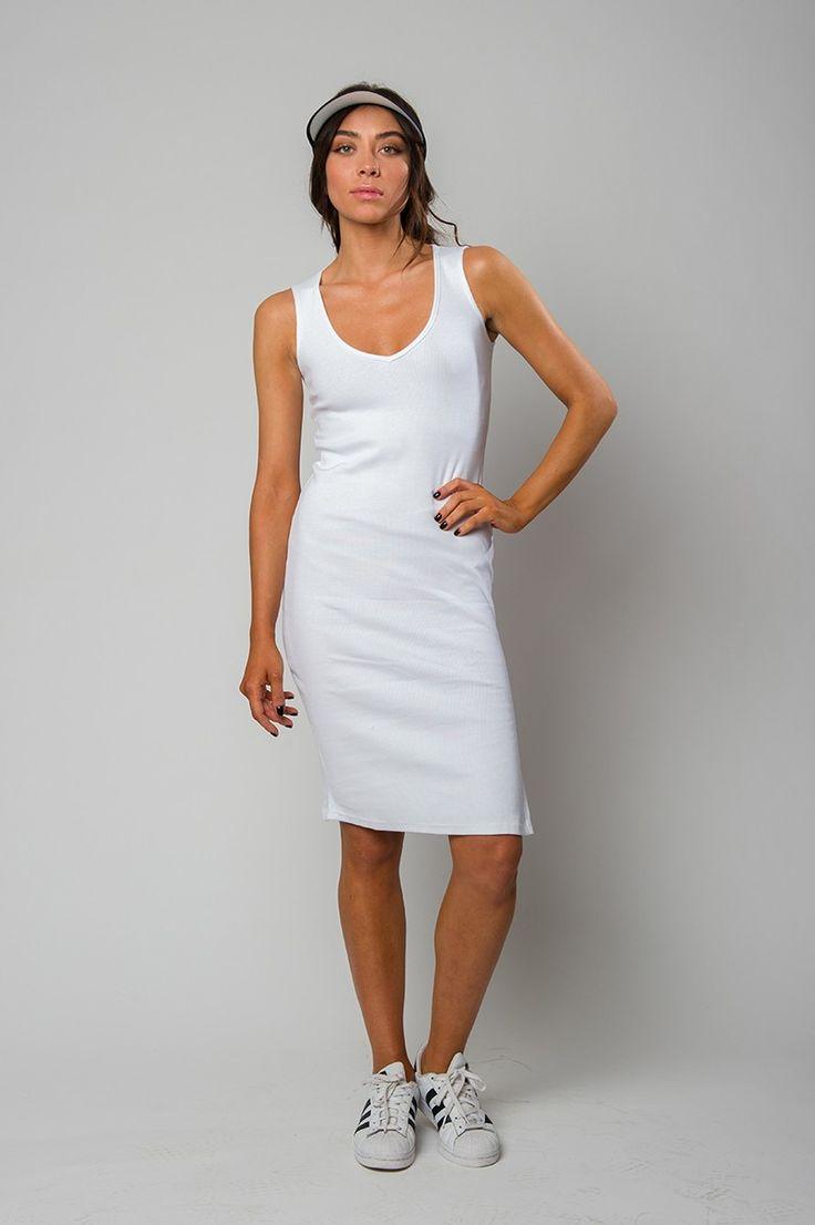 White sleeveless ribbed dress with V neck line