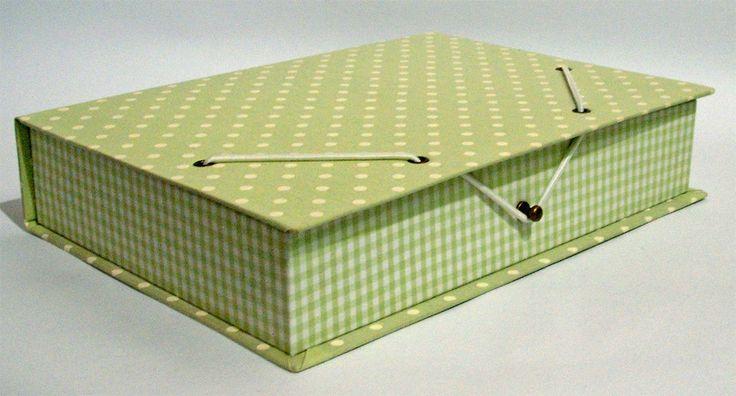 Últimas peças em cartonagem. Maletinha - 18 x 13 x 11 cm - Fechamento com fita de cetim Gaveteiro em Cartonagem - 11 x ...