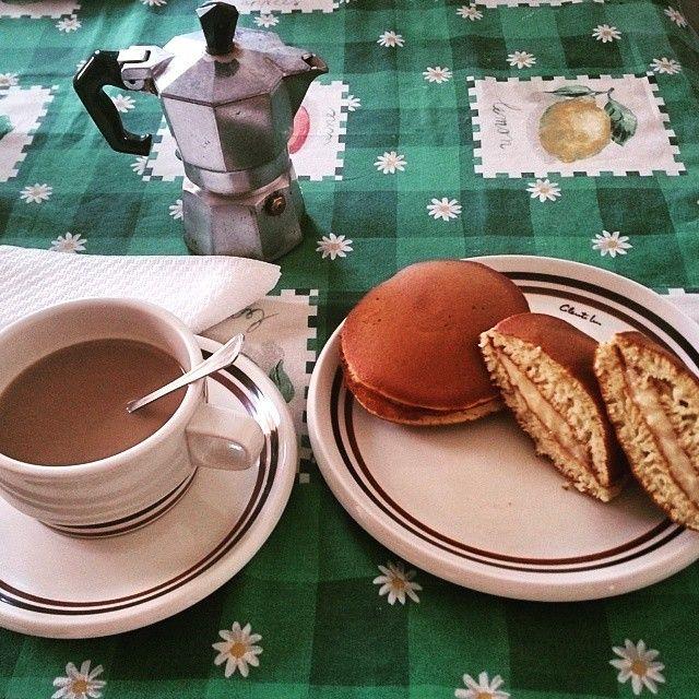 "25 Likes, 1 Comments - Laura (@lachi707) on Instagram: ""Breakfast with DORAYAKI 💝 (version with cream!) ☕😋☕ #とら焼き #dorayaki #italianstyle #breakfast…"""
