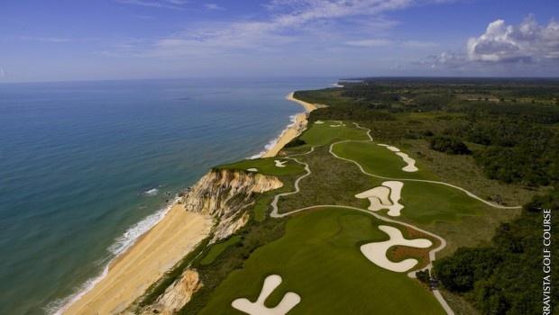 O Terravista Golf Course, em Trancoso, Bahia, fica a quatro quilômetros da pousada Estrela D'Água