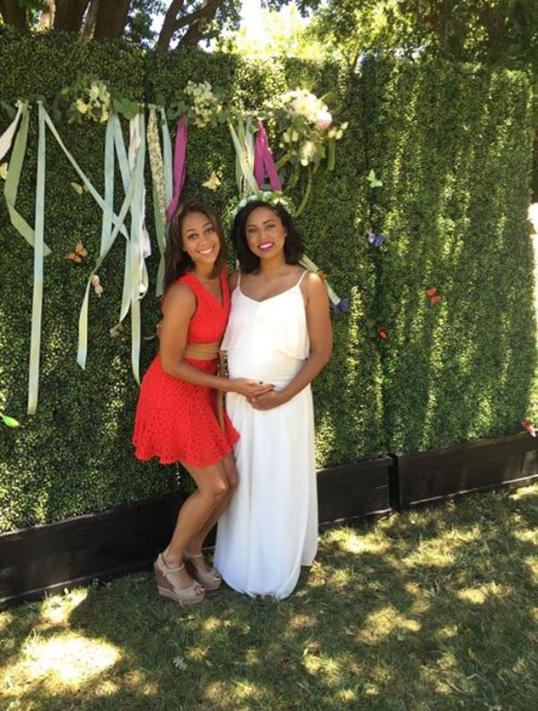 Image from http://necolebitchie.com/wp-content/uploads/2015/06/ayesha-curry-baby-shower-2.jpg.