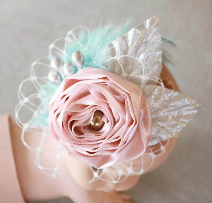 HOW TO MAKE A FABRIC FLOWER ELASTIC BABY HEADBAND WITH FEATHERS AND BIRDCAGE VEIL TUTORIAL