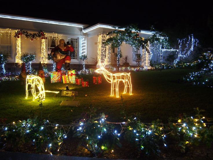 Christmas front yard decorations