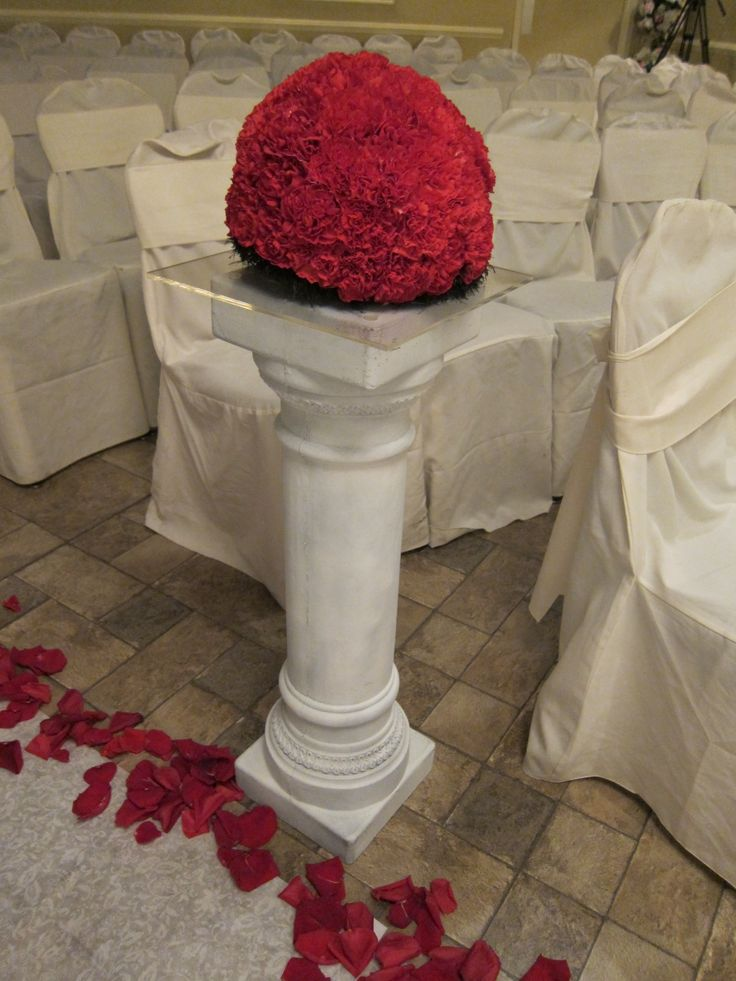 red and black aisle flowers