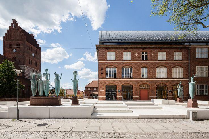 KØS - Kunstnere er flyttet ind på KØS' forplads