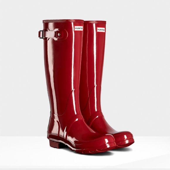 Maroon hunter boots Brand new never worn, picture looks red but they are more maroon in person! love these boots but a little too big.  Looking to sell or trade for other hunter boots in size 8! Price lower on Ⓜ️ Hunter Boots Shoes