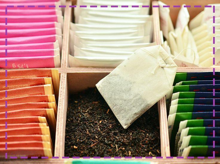 Okłady z ostudzonej torebki zielnej herbaty pomogą Ci zmniejszyć zmęczenie oczu po długim dniu pracy :)