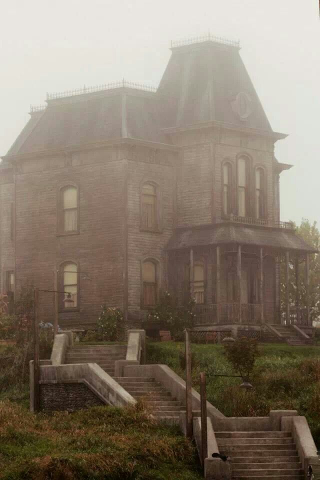 A style of home I dream of. Bates Motel set.
