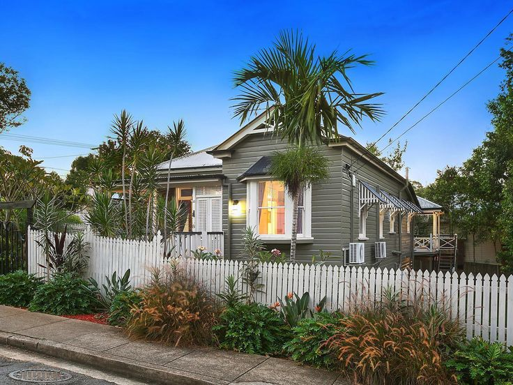 Set across 607sqm with a prime northerly aspect, this beautifully renovated home showcases charming early 1900s detail and a selection of expansive outdoor entertaining options. Ideally located, it enjoys easy access to cafés, transport, parks and the CBD.