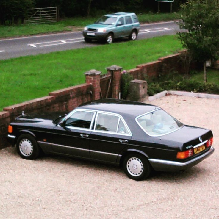 "The Mercedes-Benz Club (@themercedesbenzclub) on Instagram: ""Timeless elegance! The W126 makes many more modern cars look very ordinary! Do you agree? . .…"""