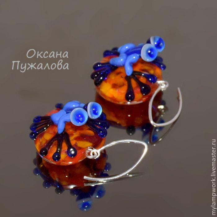 "Серьги ""Синие лягушки"" ( серебро, синий, оранжевый, стекло) - Оксана Пужалова, браслеты, серьги - Ярмарка Мастеров http://www.livemaster.ru/item/9775765-ukrasheniya-sergi-sinie-lyagushki-serebro"