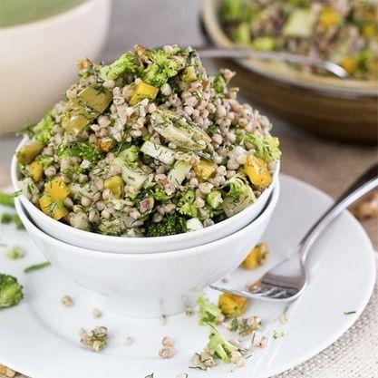 Zdravý pohankový salát se zeleninou - DIETA.CZ