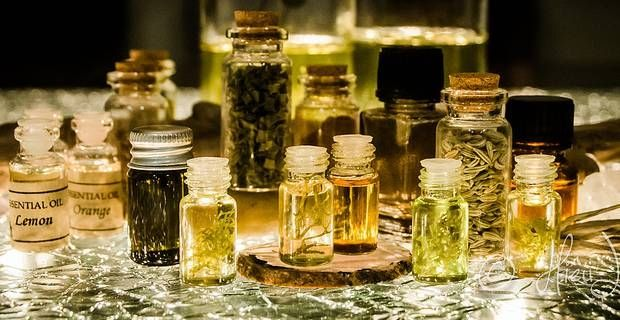 Peau d'orange et rétention: optez pour des huiles de massage détox!