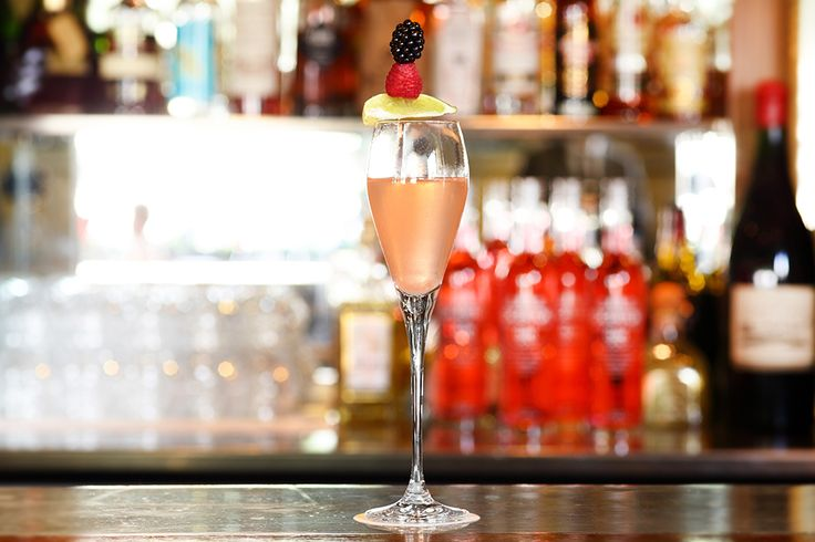 Original #pinkgin #cocktail a la #pontdelatour #London