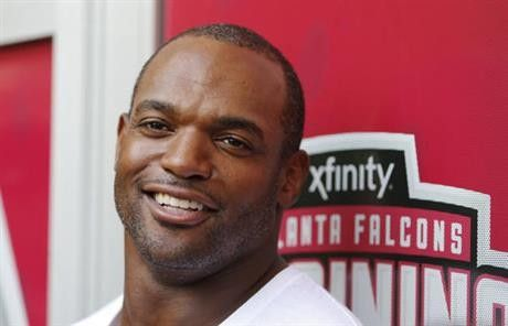 Falcons easing Dwight Freeney into preseason = If you're thinking you'll get an extended look at Atlanta defensive end Dwight Freeney when he makes his debut with the Falcons in Thursday night's preseason game, you might want to curb your enthusiasm.  Coach Dan Quinn already has.....