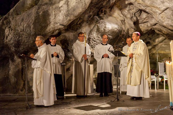 Le Père Cabes a été installé recteur du Sanctuaire