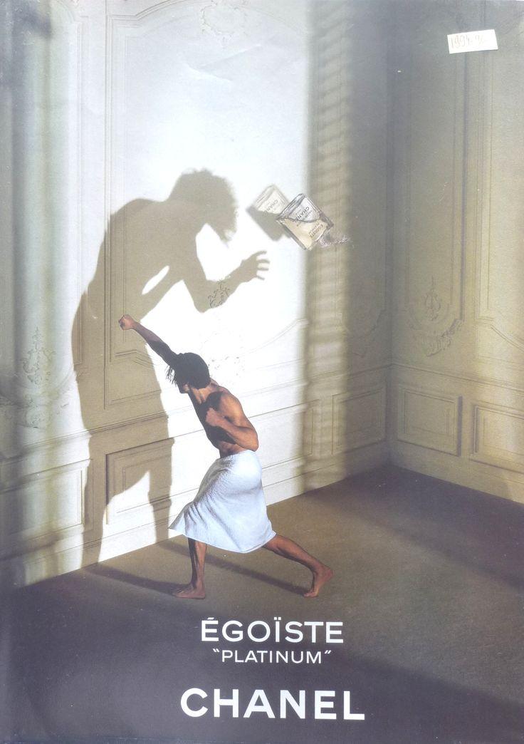 Publicité parfums Egoïste de Chanel, pour hommes.