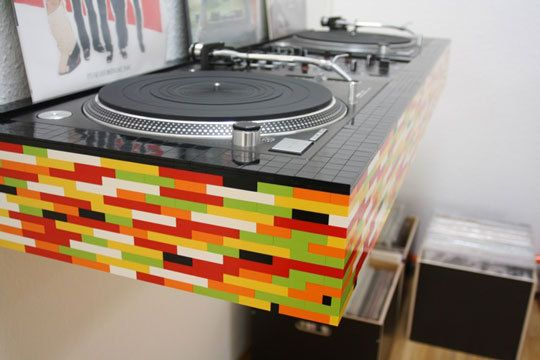 LEGGO DJ BOOTH!!! Every house surely wants one of these, I know my house does!