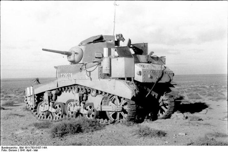 Bundesarchiv_Bild_101I-783-0107-14A,_Nordafrika,_amerikanischer_Panzer_M3_-Stuart-.jpg;   800 x 534 (@100%)