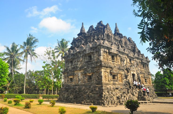 The beautiful proportions of Candi Sari, Central Java - copyright architectureofbuddhism.com - read the travel diary at http://architectureofbuddhism.com/books/temples-borobudur-region-travel-diary-day-one/