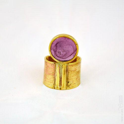 Troisième oeil  Bague ronde violette dorée réglable