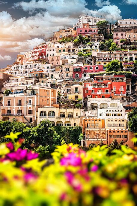 #Positano #Flowers #Campania #AmalfiCoast #ildolcetramonto #Italy #Dream (from plus.google.com/+Ravello-Italy)