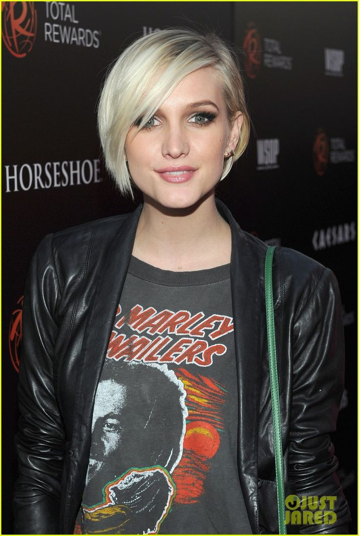 ashlee simpson's hair looks precious like this. makes me want to crop mine up again