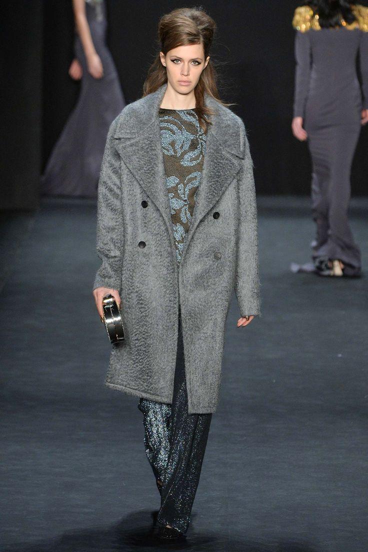 Badgley Mischka Grey cosy coat great for autumn!