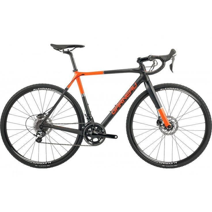 STEEPLE-XC ELITE BIKE The short front center of gravity provides an amazing handling and the 66 mm BB drop allows for added stability in fast descents. Inner cable touring is perfect for shouldering sections.