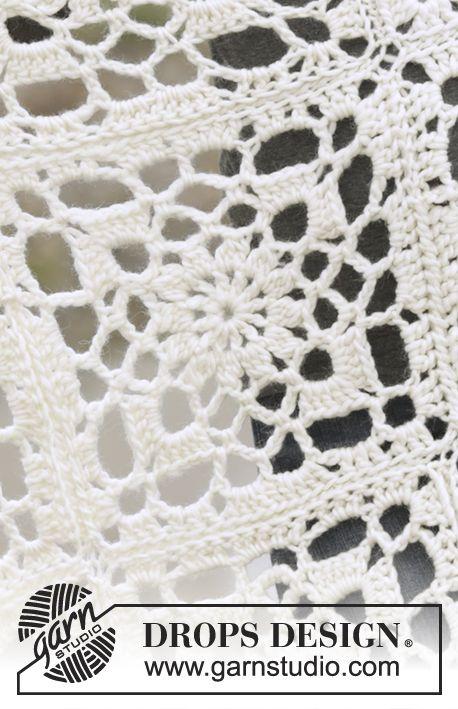 """Couverture DROPS au crochet, composée de carrés, en """"Eskimo"""". Modèle gratuit de DROPS Design."""