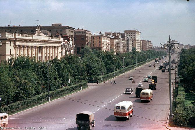 Ленинградка. Вид от ТТК в сторону Белорусского вокзала. Этот кусочек и сейчас кое-как сохранился.