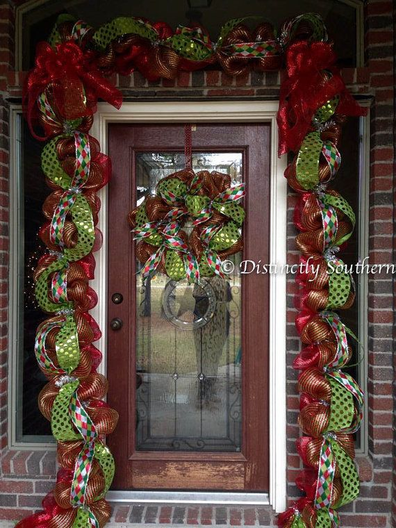 1000 images about door garland wreath on pinterest for Door garland christmas