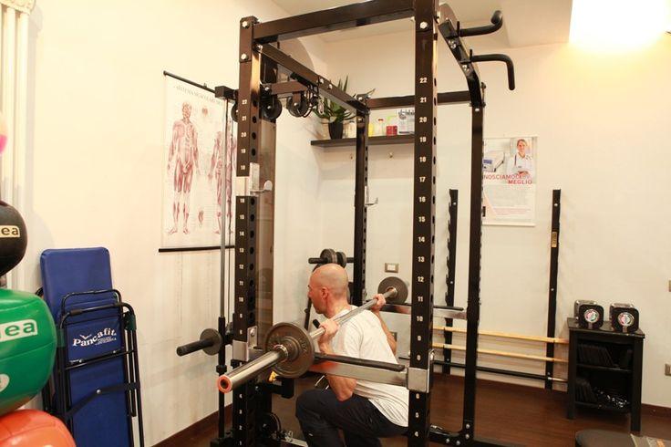 #PersonalTrainer #Bologna - #Squat con bilanciere per l' #allenamento di #gambe e #glutei  #tonificazione #esercizi #palestra #muscolo