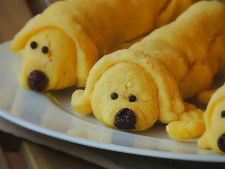 Recipe for Kids: Three Puppies Hot Dog is a recipe suitable for a summer outdoor children's menu  Ricetta per Bambini: Tre Cagnolini Hot Dog è una ricetta estiva adatta per un menu estivo per bambini all'aperto