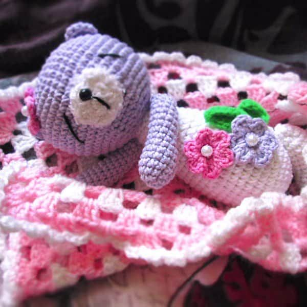 This sleeping teddy bear will calm down your little child and help to sleep peacefully. Use this free bear crochet pattern to create such a wonderful toy!