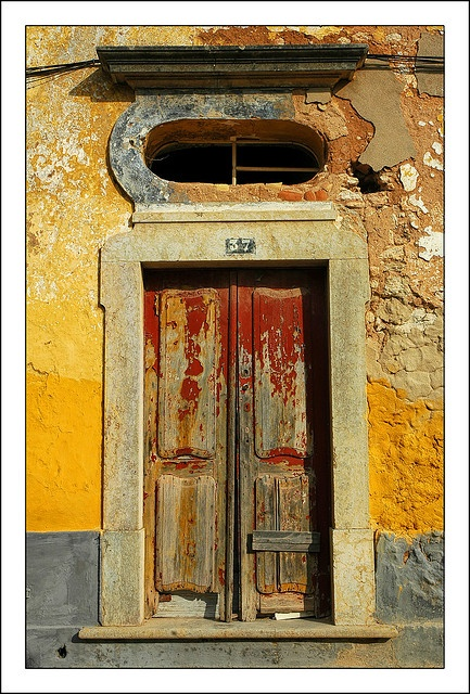 Door in Estoi, Portugal, by Carlos Goulao (CGoulao on Flickr)