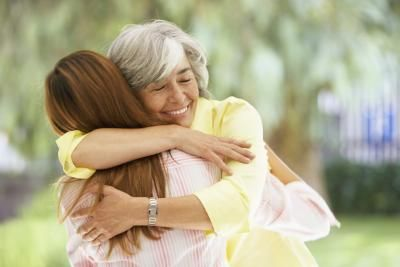 Wedding Etiquette for a Grandmother (with Pictures)