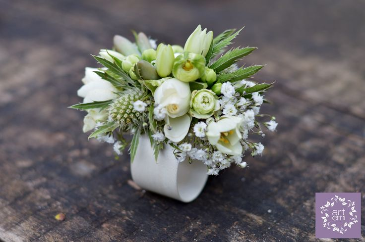 #wedding #weddingday #slub #bizuteria #bizuteriaslubna #bransoletka #juwelry #bracelet #bukiet #bukiety #bukietslubny #weddingbouquet #kwiaty #flowers #rustic #rusticstyle #whiteflowers #bielekwiaty #artemi #florystyka  www.artemi.com.pl