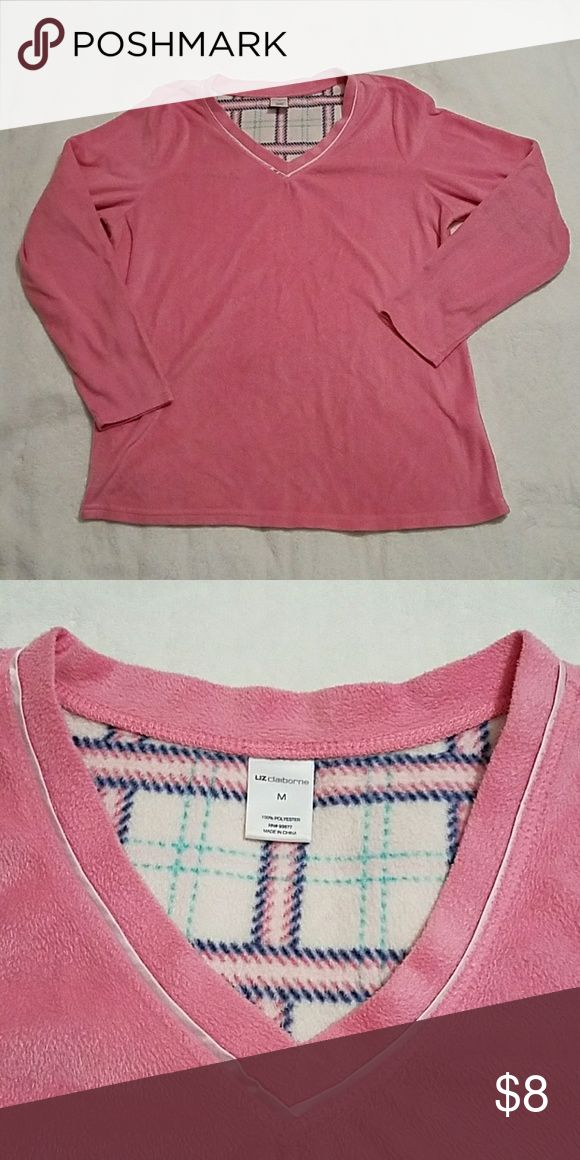 Super warm and cozy pajama top This pink pajama top is so warm and cozy! Liz Claiborne Intimates & Sleepwear Pajamas