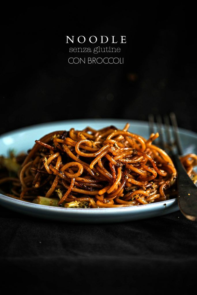 Noodle senza glutine con broccoli
