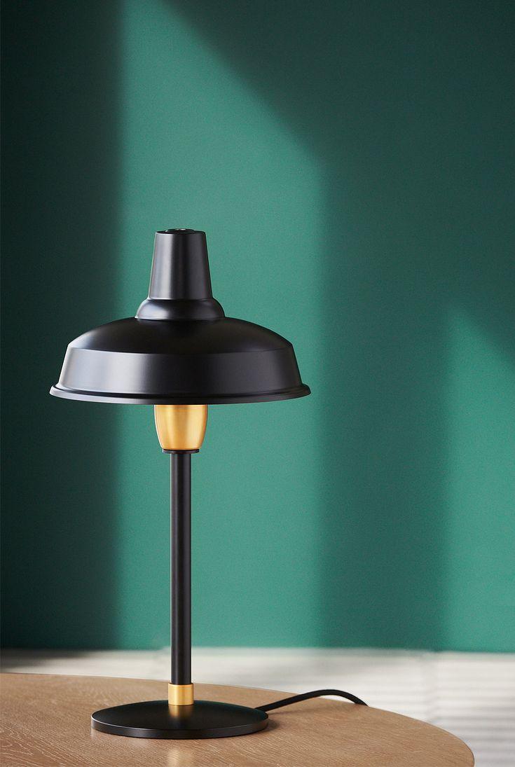Eigenwillige Tischleuchte aus Dänemark mit Fabriklampen-Schirm: HOBSON von Eleanor Home:
