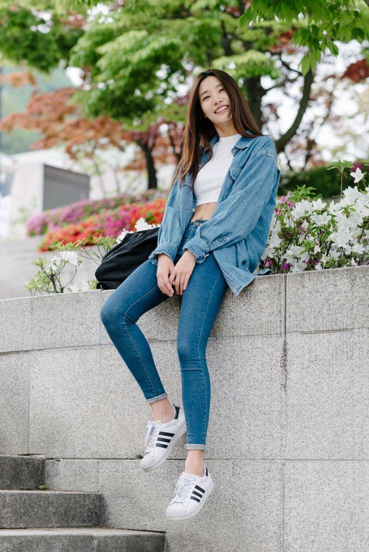 KOREANMODEL x ALEXFINCH street-style project. Model : Lee Hyun Ji (YG Kplus) • Jacket : American Apparel • Top : ALAND • Jeans : UNIQLO • Bag : American Apparel Korean Model Instagram:...