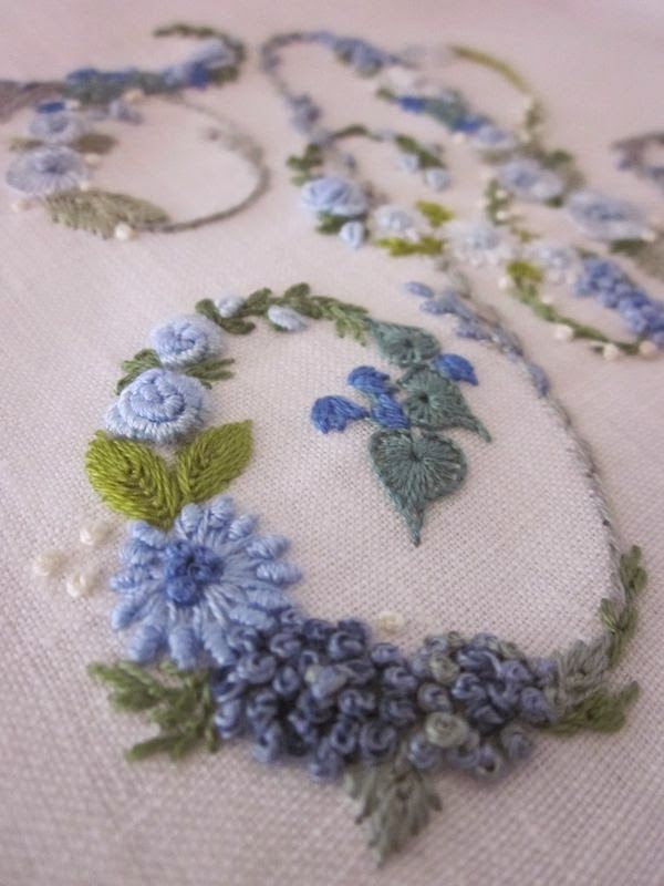 Beautiful hand embroidery on momograms - love the blue color scheme! From Elisabetta ricami a mano
